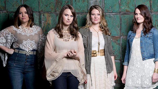 Album Premiere: Sweet, Harmonious Bluegrass from Della Mae