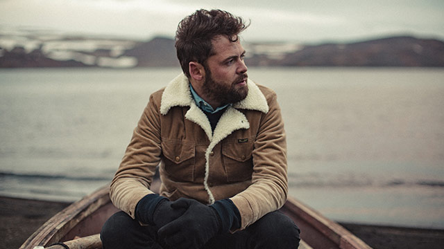 How Passenger's Mike Rosenberg Went From Street Busker to Having a Number One Album