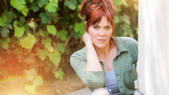 """Song Premiere: Beth Hart, """"No Place Like Home"""""""