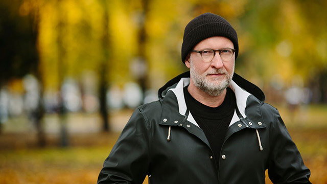 Bob Mould Values Both Procrastination and Preparation