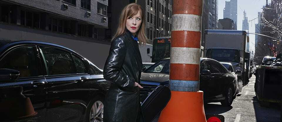 "Suzanne Vega Doesn't Mind Explaining Her ""Weird"" Songs, As Long As You Applaud"