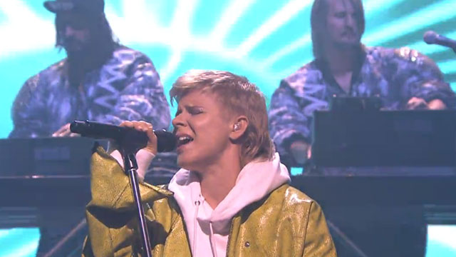 Radio on the TV: Performances from Robyn & Röyksopp, Jenny Lewis and Thirty Seconds to Mars