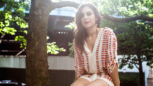 Album Premiere: Singer-Songwriter Shayna Leigh's New EP