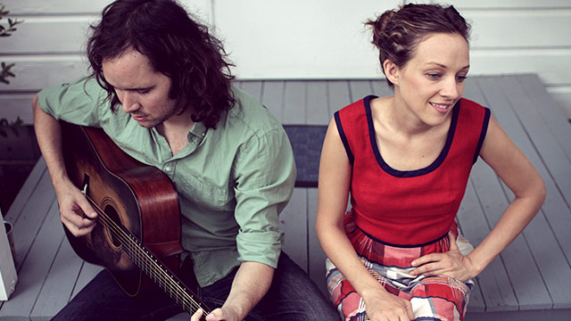 Song Premiere: Bluegrass Duo Mandolin Orange,