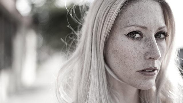 Album Premiere: Julie Mintz Explores Gothic Americana on 'The Thin Veil,' Produced By Moby
