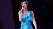 """Video Premiere: Lisa Stansfield, """"Change,"""" Live in Manchester"""