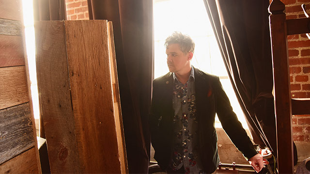 Song Premiere: Gabe Dixon,