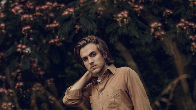 Album Premiere: Andrew Combs, 'Canyons of my Mind'
