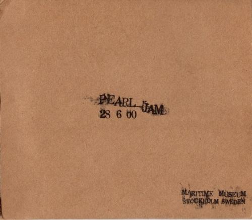 Live: 28-6-00 Naval Museum -- Stockholm, Sweden - Pearl Jam | Songs
